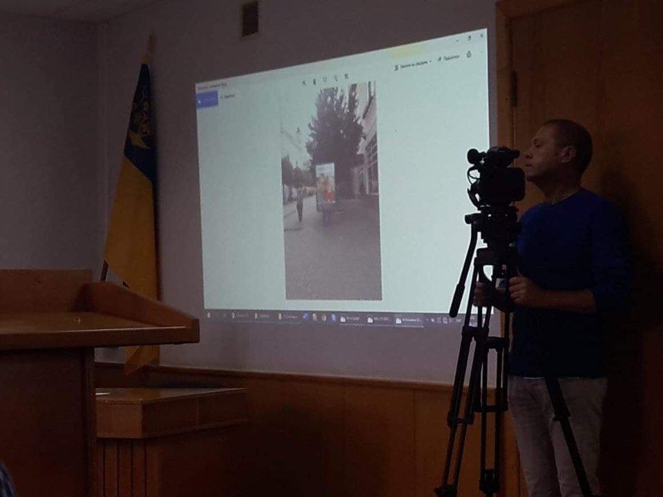 Назойливая реклама из центра Ужгорода отныне исчезнет