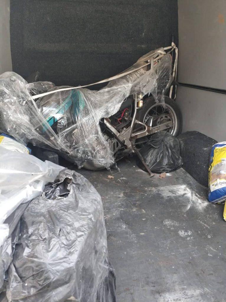 """На Закарпатье в багажнике микроавтобуса нашли разобранный """"Yamaha"""""""