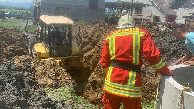 В Закарпатье 43-летнего мужчину живьем засыпало землей
