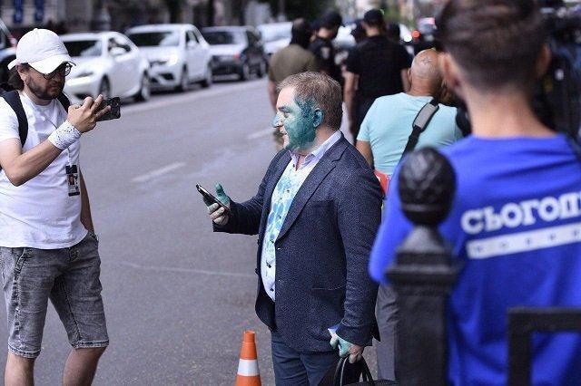 В Киеве бесславные ублюдки напали на депутата Олега Волошина