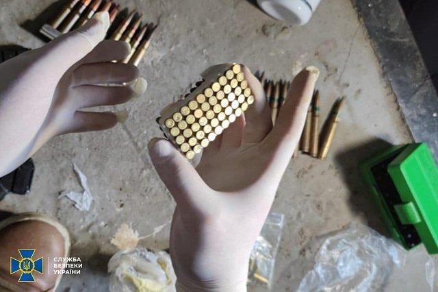 СБУ Закарпатья заблокировала канал нелегальной переправки в Украину составных частей огнестрельного оружия.
