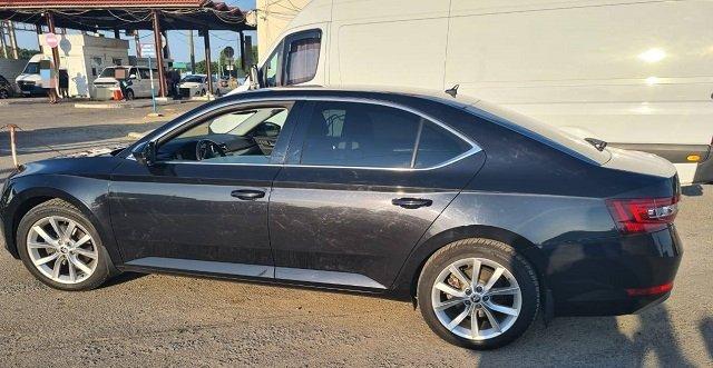 Угнанный в Чехии автомобиль «Skoda Superb» 2017 года выпуска обнаружили в Закарпатье