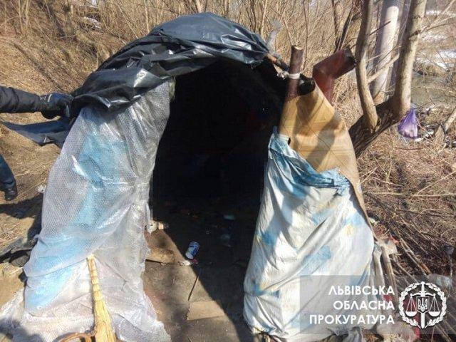 Двоих извергов из Закарпатья убивших жителя соседней области взяли под стражу