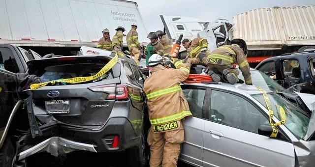 В США на дороге столкнулись 133 авто: Жуткое видео с места аварии