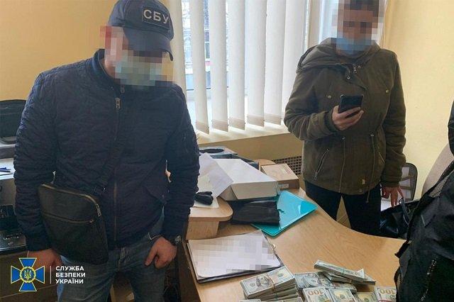 "800 кг серебра и миллионы гривен изъяли силовики у ""отмывателей"" денег"