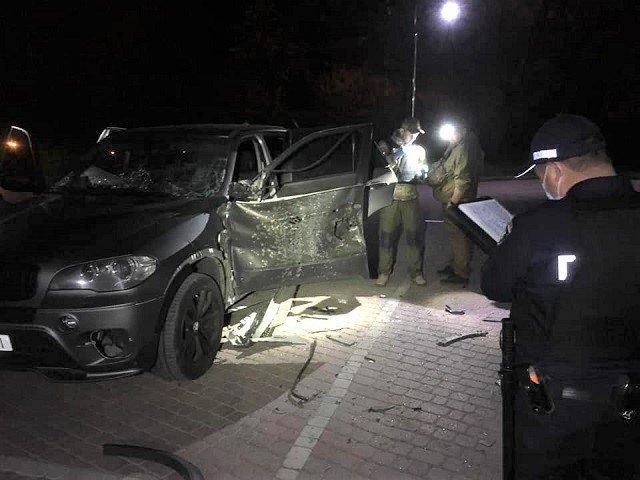 В Ивано-Франковске на улице Галицкая взорвали BMW Х5.