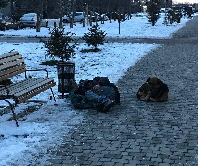 В Ужгороде бомжей холода не пугают
