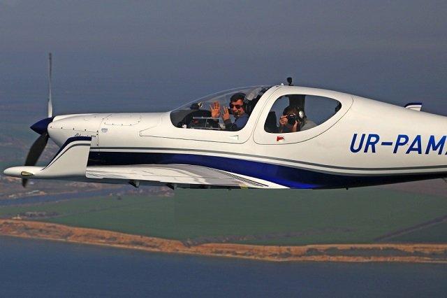 В Ивано-Франковской области разбился известный летчик Игорь Табанюк: его самолет упал на частный дом, вместе с ним погибли еще три человека