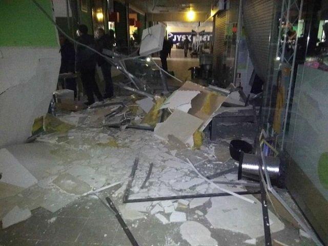 В Черновцах произошел взрыв в помещении одного из ТЦ