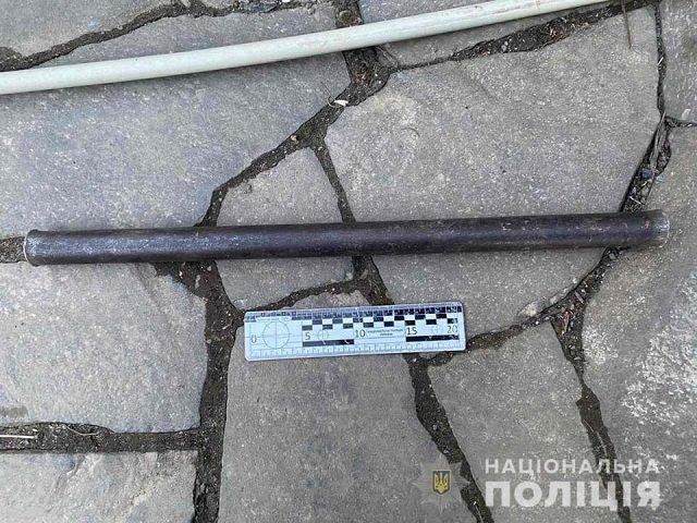 В Закарпатье два брата с топором и металлической трубой избили соседей