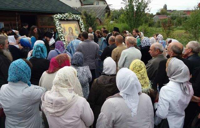 Ужгород. Приложитися до святині можна щоденно з 8 ранку до 19-ої години вечора