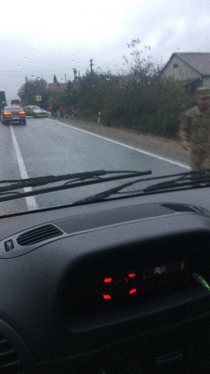Жесть! В Закарпатье на трассе - ужасное столкновение автомобилей лоб в лоб