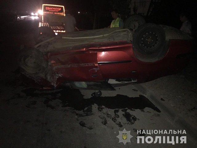 Кошмарная авария в Мукачево: Peugeot врезался на полном ходу в припаркованный ВАЗ