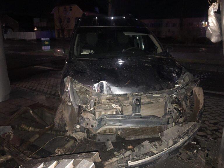 Обошлось чудом без взрыва: На заправке в Закарпатье под утро произошло ДТП
