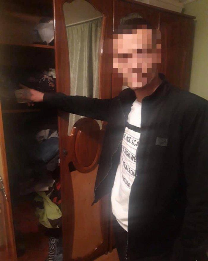 """""""Щипач"""" із Мукачева викрав з вітальні пенсіонерки барсетку зі 180 тисячами гривень"""