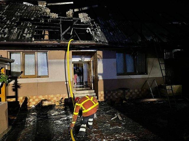 В Закарпатье из-за пожара в сауне едва не сгорели два дома