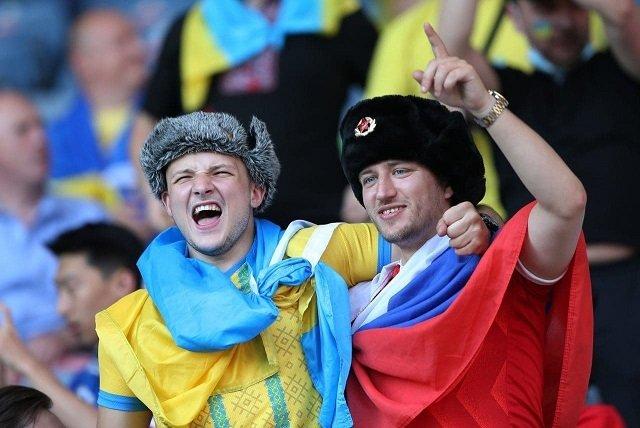 Фанат из России, которому украинцы устроили жесткий прием на матче со Швецией, рассказал об инциденте