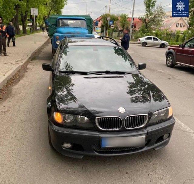 """ДТП в Ужгороде: """"Лихач"""" на ГАЗе влетел BMW"""