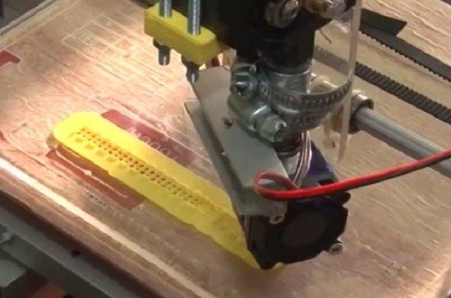 3D-принтер - последняя разработка айтишников, студентов из университета в Ужгороде