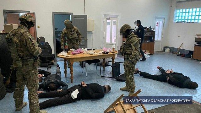 В Закарпатье заведующий сектором экспертно-криминалистического центра МВД попался на взятке