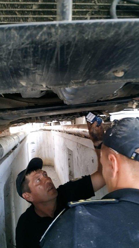 Из-за 300 пачек сигарет лишился машины: На КПП Дякове пограничники поймали контрабандиста (ФОТО)