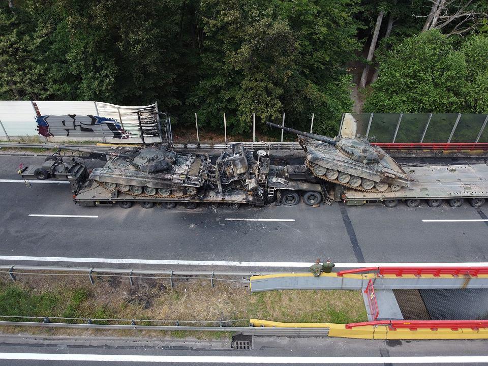 В Польше в серьезном ДТП с военной техникой сгорели боевые танки