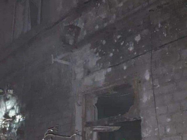Разбито множество окон, повалены деревья, а здание с больными осталось без электроснабжения