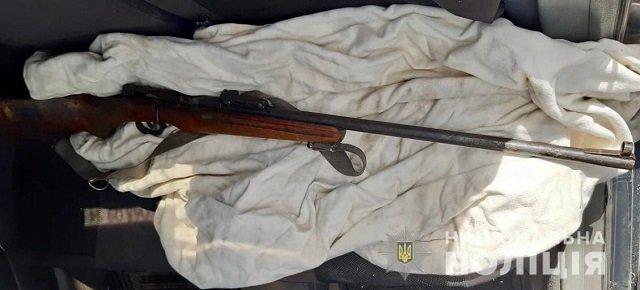 В Иршаве полицейские изъяли у мужчины нелегальное оружие