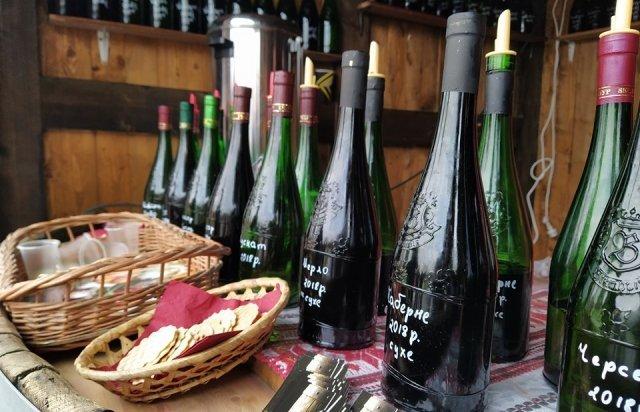 Фестиваль Червене вино-2020: Вина сорока лучших виноделов Закарпатья оценивали по 10 бальной системе