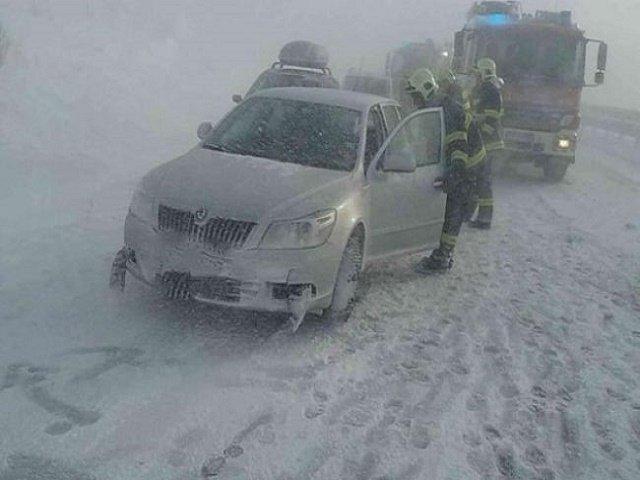 Из-за метели в соседней с Закарпатьем Словакии 20 автомобилей попало в аварию