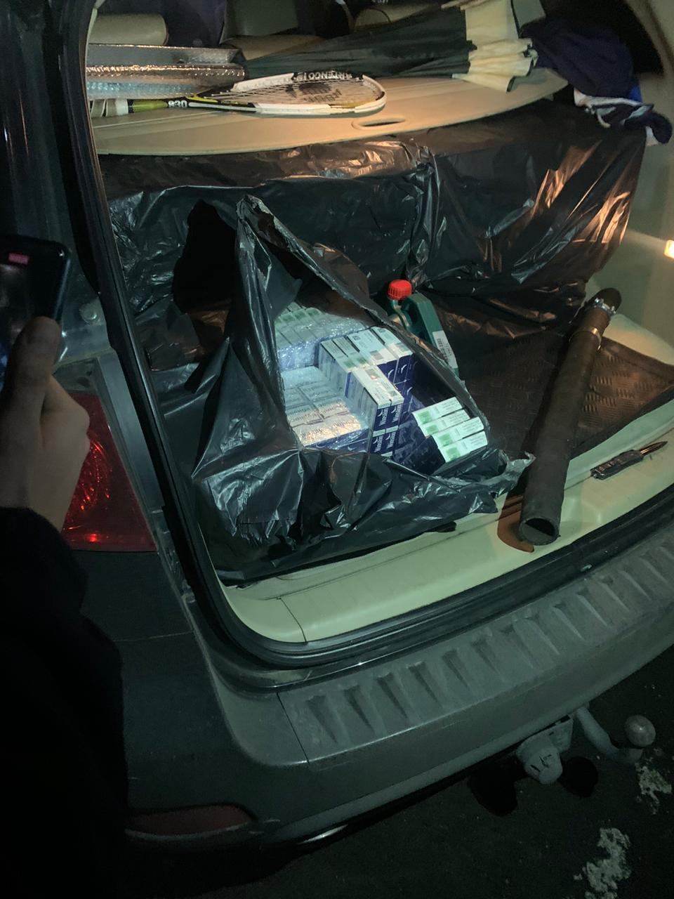 На Закарпатті позашляховик дипломатичного представника приховував контрабандні цигарки