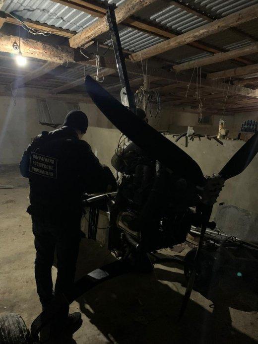 Літальний апарат контрабандистів на Закарпатті затримали відразу ж після приземлення