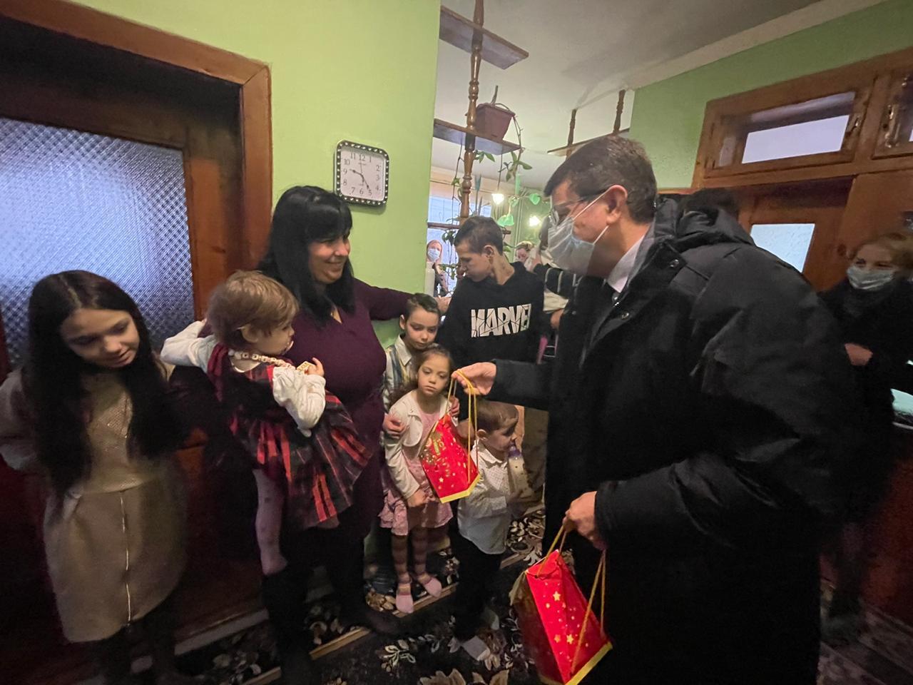 Велика родина із Закарпаття отримала щедрий подарунок від держави — власний будинок