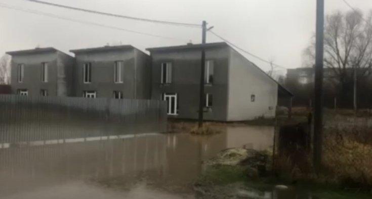 В Закарпатье непрекращающимися ливнями подтоплена Оноковская ОТГ