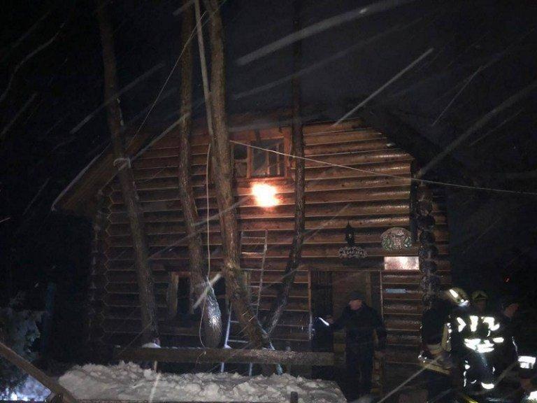Пожар в Карпатах хорошо было видно в ночном небе