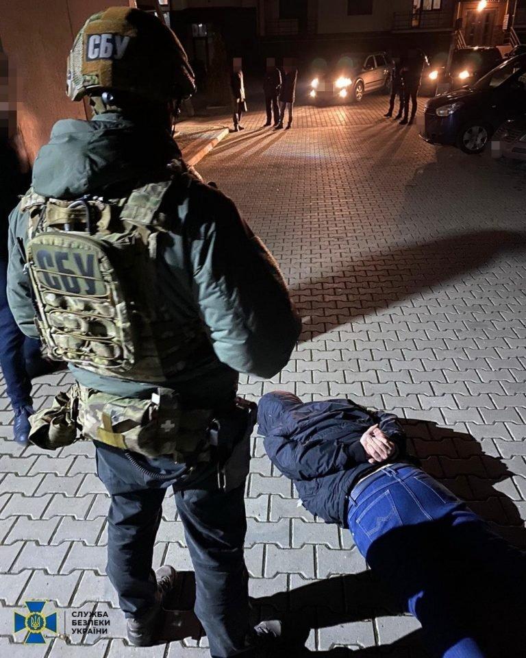 В Ужгороде и Мукачево СБУ одело наручники на лидеров рекетирских банд