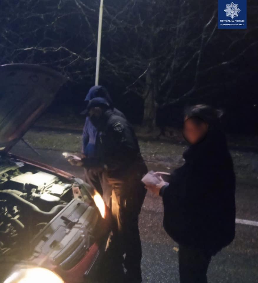 """В Ужгороді водій """"під шафе"""" роз'їжджав містом автівкою невідомого походження"""