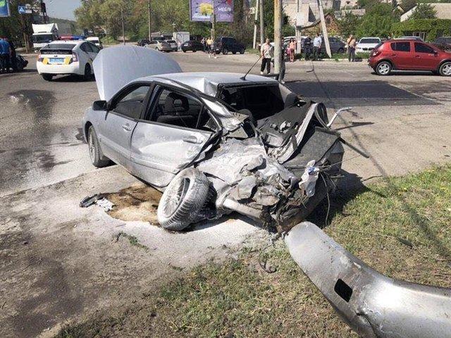 Смертельное ДТП в Днепре: в результате один человек погиб, еще 15 получили ранения