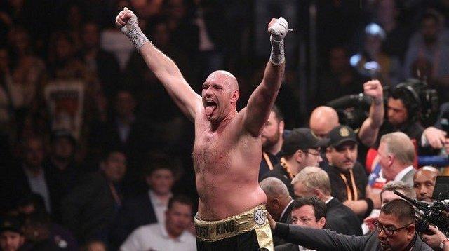 Фьюри уничтожил в реванше Уайлдера и забрал у него пояс чемпиона мира WBC