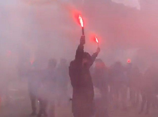Митинг националистов возле офиса ОПзЖ закончился взрывом и потасовкой