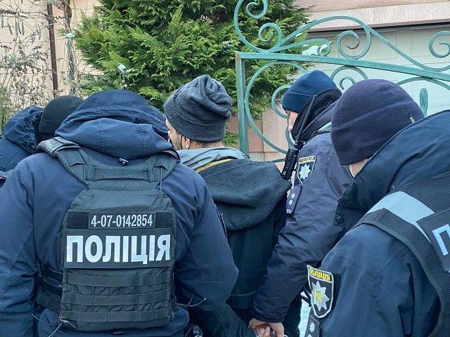 В областном центре Закарпатья на День влюбленных не обошлось без стрельбы