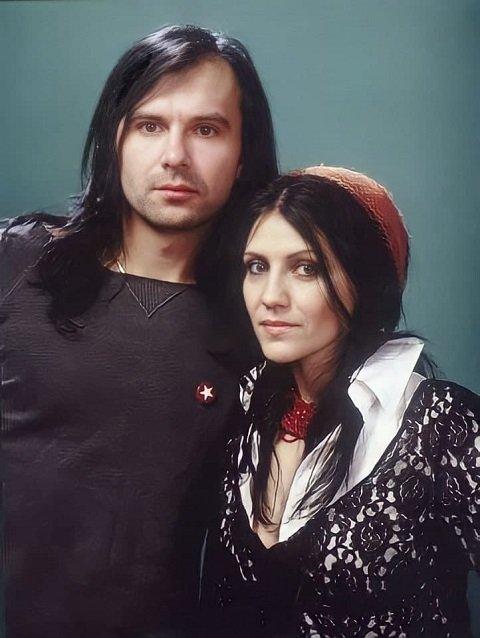 Вакарчук официально заявил о расставании со своей женой Лялей Фонаревой