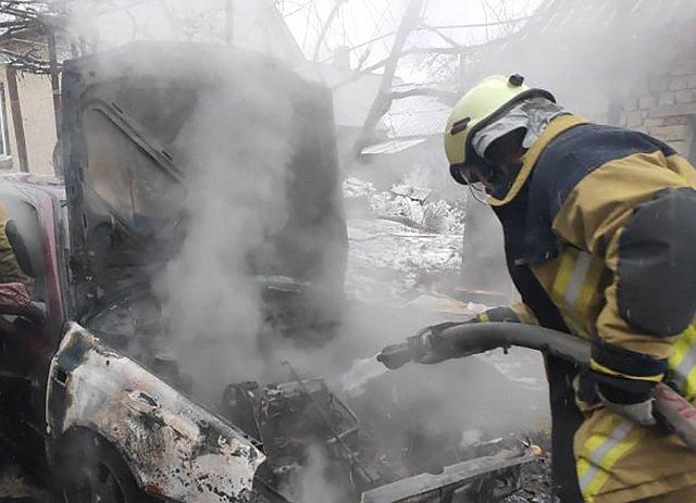 В Ужгороде на Чкалова горело-пылало авто