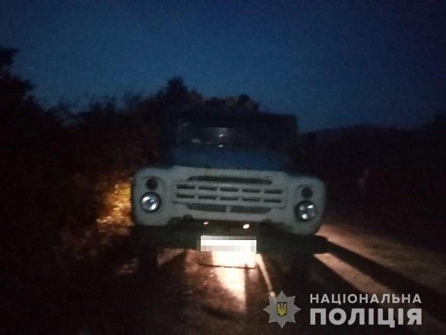 В Закарпатье полиция задержала 4 грузовика с подозрительной древесиной - Иршавский район
