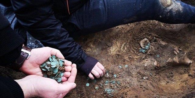 В Венгрии нашли редчайший клад - тысячи монет позднего Средневековья