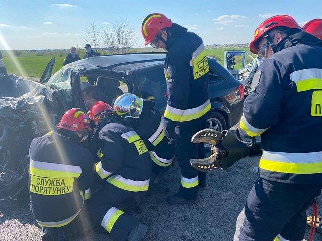 Смертельное ДТП под Ровно: Столкнулись Audi и Mercedes Sprinter, 2 погибших