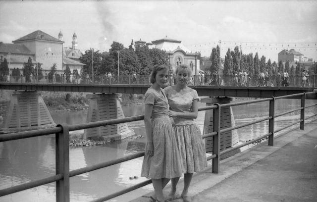 У 1948 році в Ужгороді з'явився новий пішохідний міст