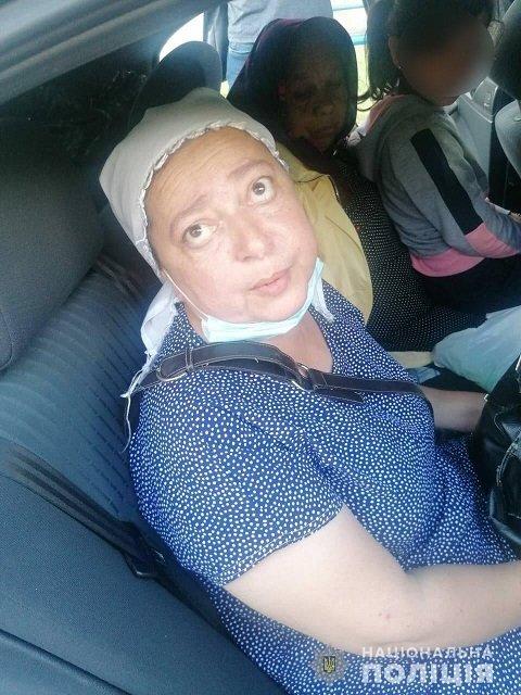 Под Киевом аферистки под видом монахинь обдурили бабушку на тысячи евро