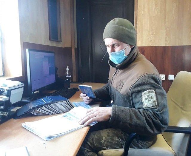 Автобус полный белоруссов с поддельными ПЦР-тестами поймали на границе