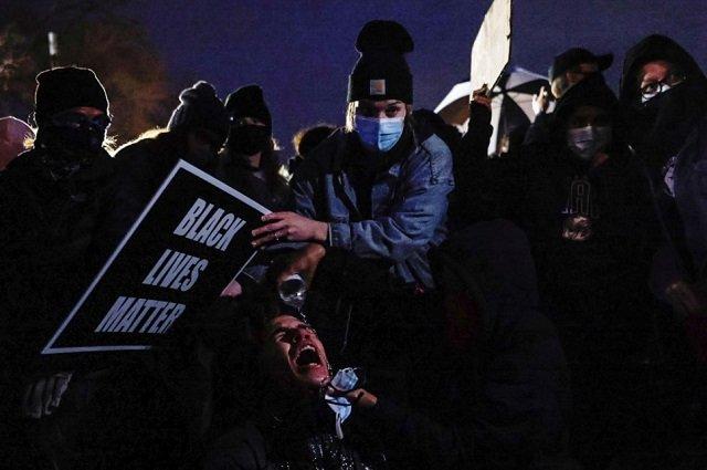 Жестокий уик-энд: По всей Америке гремят выстрелы